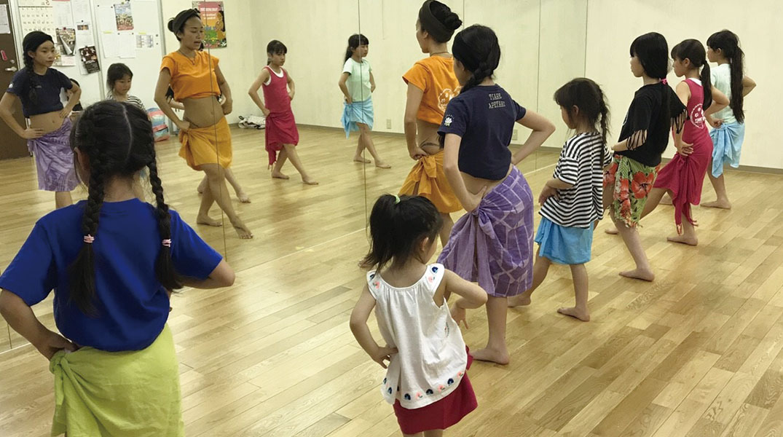タヒチアンダンス、幼児、小学生キッズクラス。東京八王子、新宿、日野、多摩、町田、立川、日野のおすすめのスクール習い事ならティアレアペタヒ